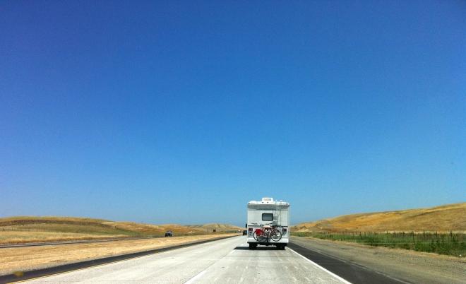 camping-car-road